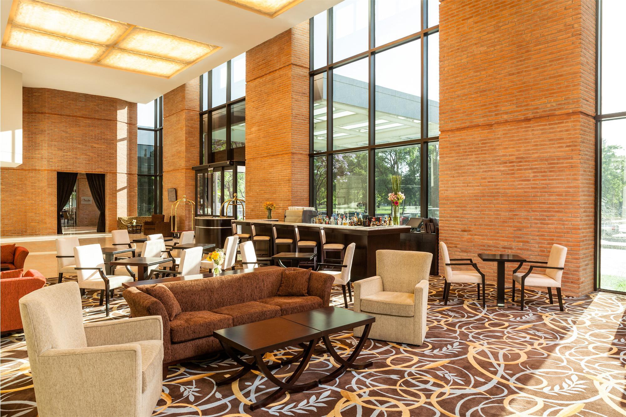 Sheraton tucuman hotel tel fono direcci n comentarios for Muebles de oficina tucuman 1564